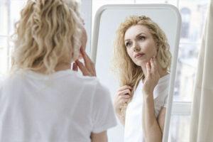Этап очищения кожи лица